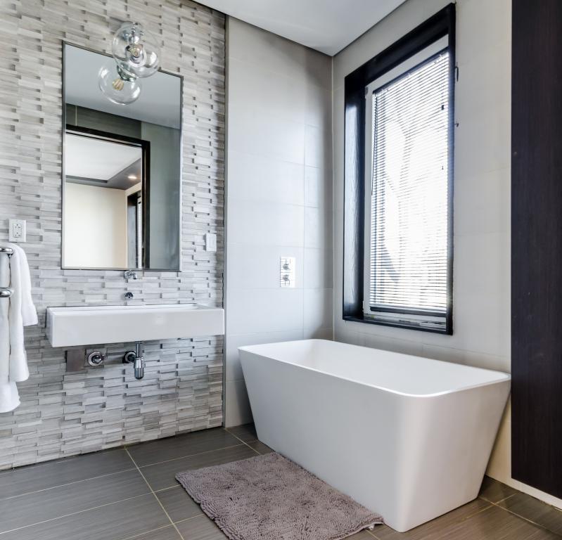 restauration salle de bain ancienne Nimes Montpellier 30