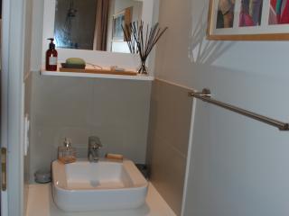 Salle de bain rénovée et pose de carrelage
