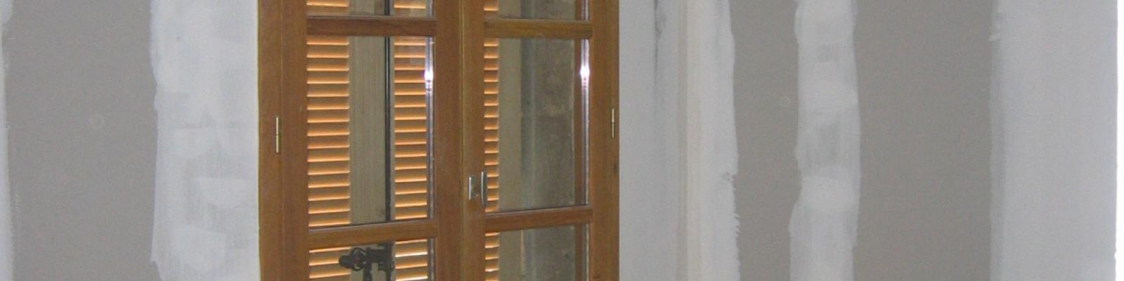 Pose de fen tres et portes fen tres bois travaux for Pose porte fenetre renovation