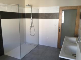 Rénovation totale de salle de bain avec douche a l'italienne - Carré Sud Nimes
