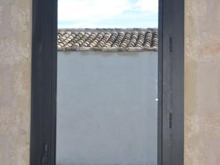 Pose de fenêtre aluminium gris anthracite