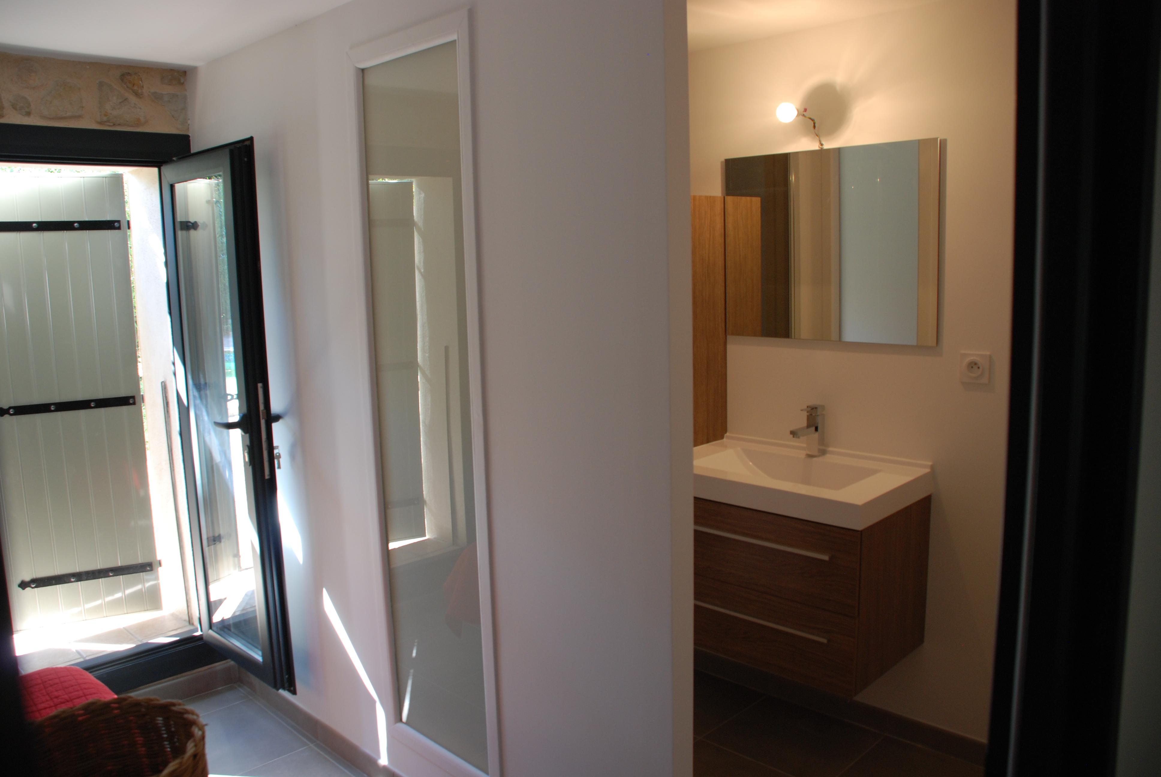 r novation de maison de village en pierre entreprise r novation g n rale. Black Bedroom Furniture Sets. Home Design Ideas