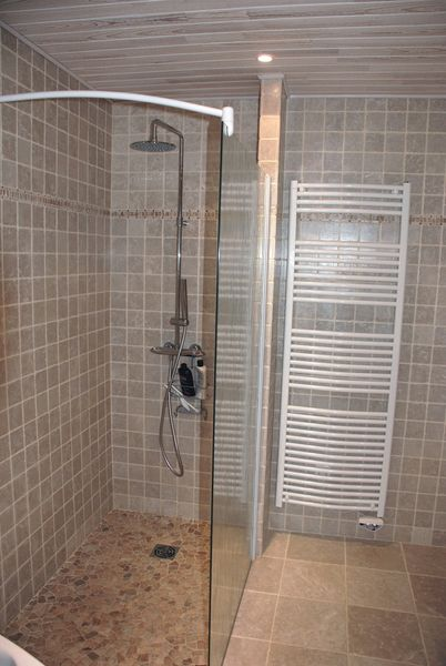 Douche l 39 italienne r novation salle de bain n mes for Photos de douche a l italienne