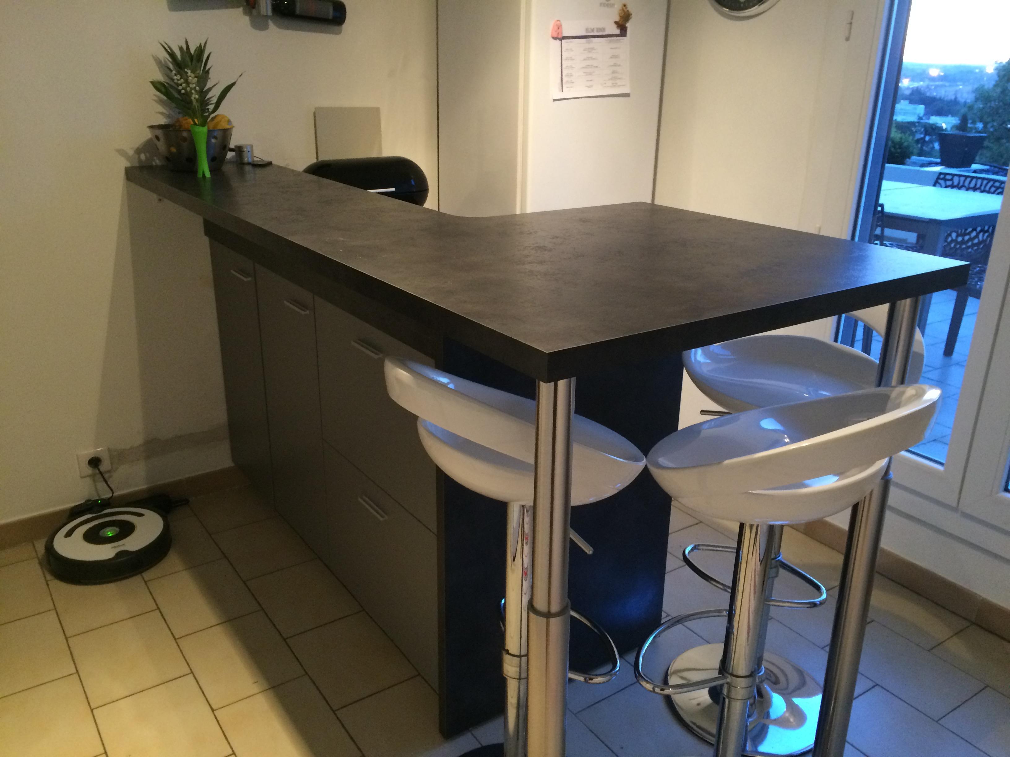 comptoir sur plan de travail entreprise cuisine n mes montpellier. Black Bedroom Furniture Sets. Home Design Ideas