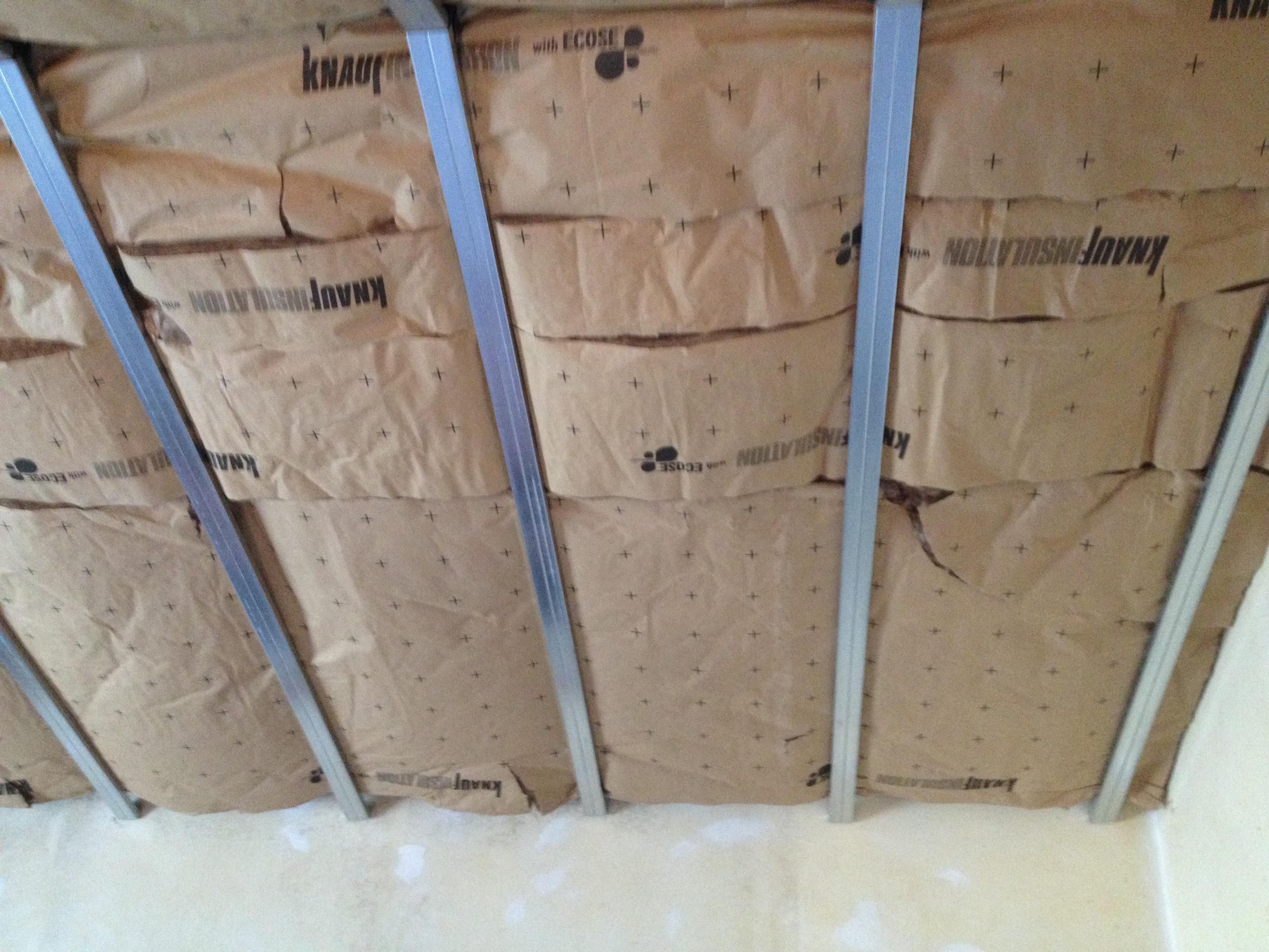 Intsallation de plafond en placo r novation placo n mes - Comment enlever du carrelage sur du placo ...