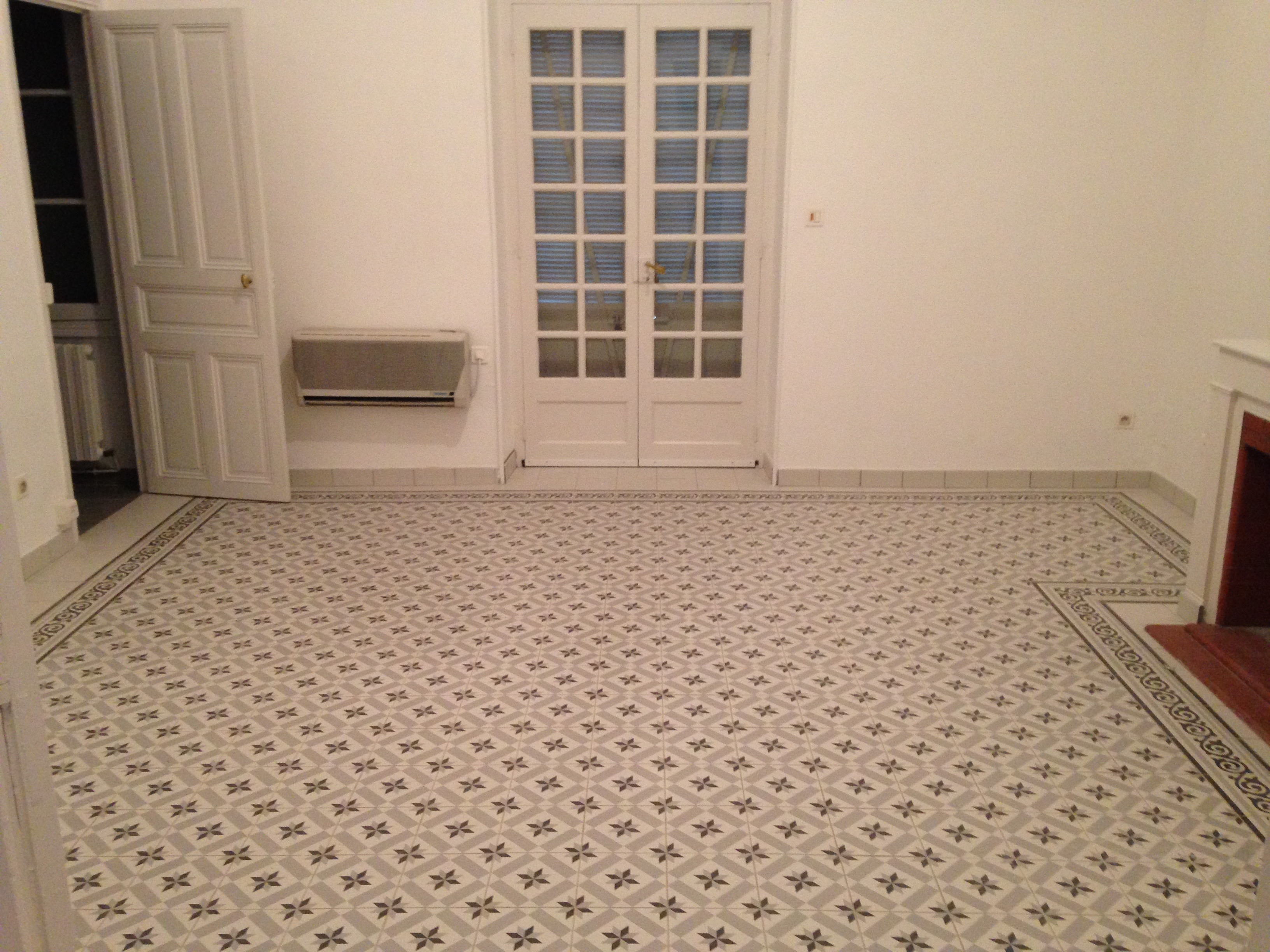 Pose de carreaux ciment et carrelage type carreaux de for Ciment carrelage