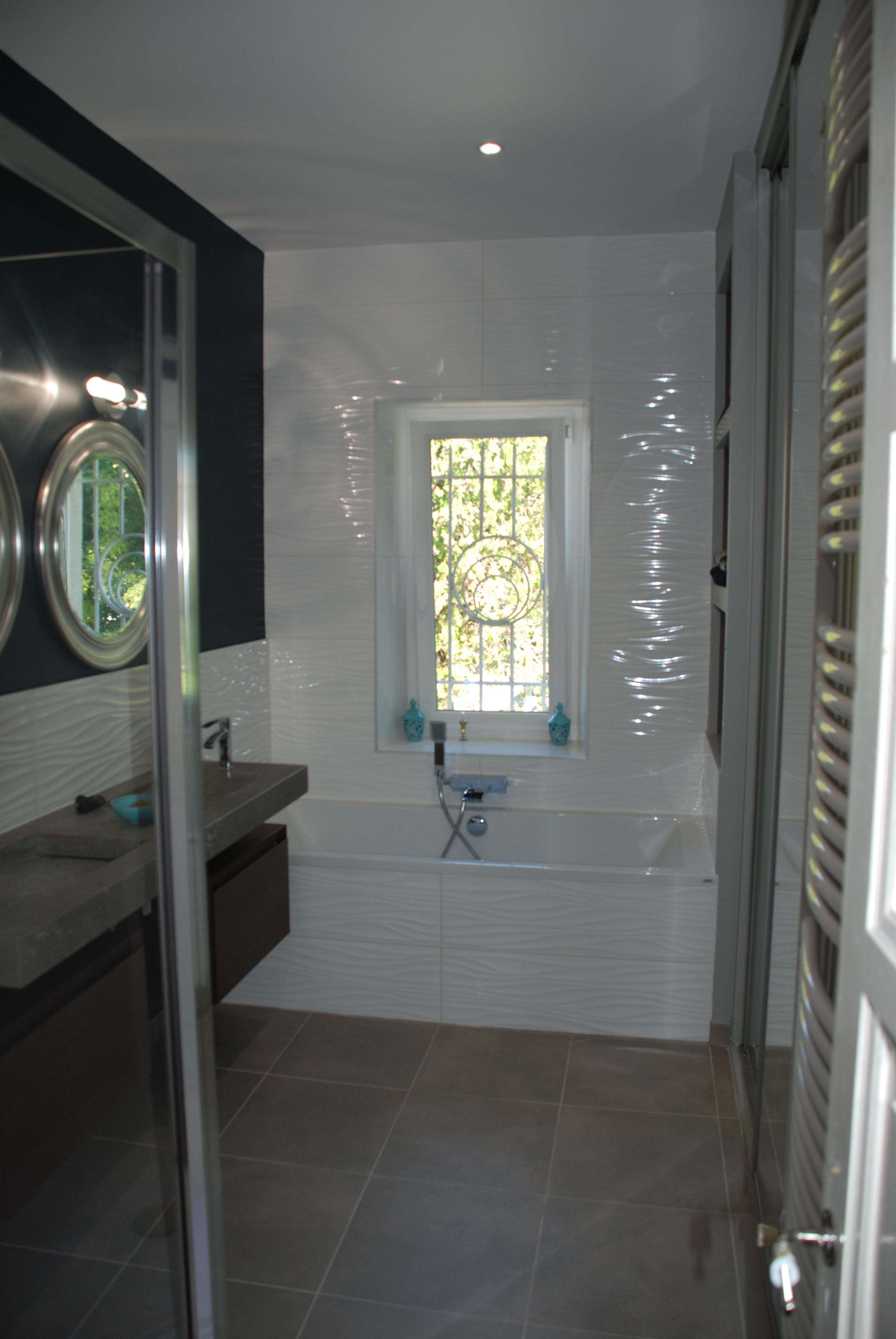 Sdb avec douche et baignoire r novation salle de bain n mes - Photos de salle de bain avec douche ...